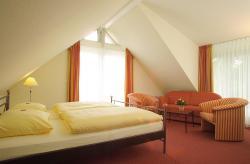 Landhotel Altes Wasserwerk Studio klimatisiert, Sofa, Badewanne mit Whirlpool